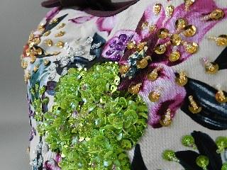 手刺繍のスパンコール