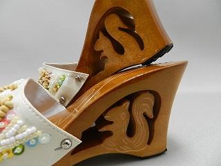 リスの手彫りデザイン